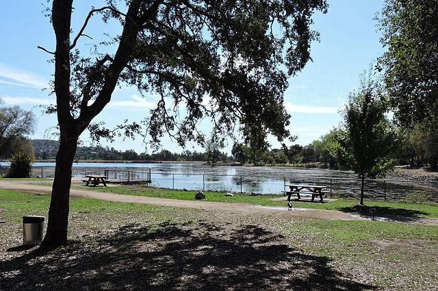 Cameron_Park_Lake